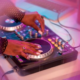 Deejay Mixers & Controllers