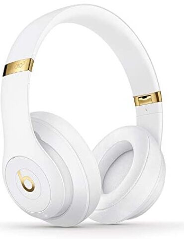 Beats Studio3 Wi-fi Noise Cancelling Over-Ear Headphones – Apple W1 Headphone Chip, Class 1 Bluetooth, Energetic Noise Cancelling, 22 Hours Of Listening Time – White (Most contemporary Model)