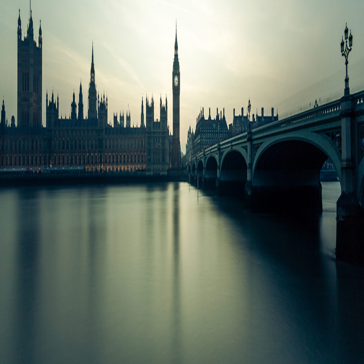 Lords propose making tech giants pay for using news